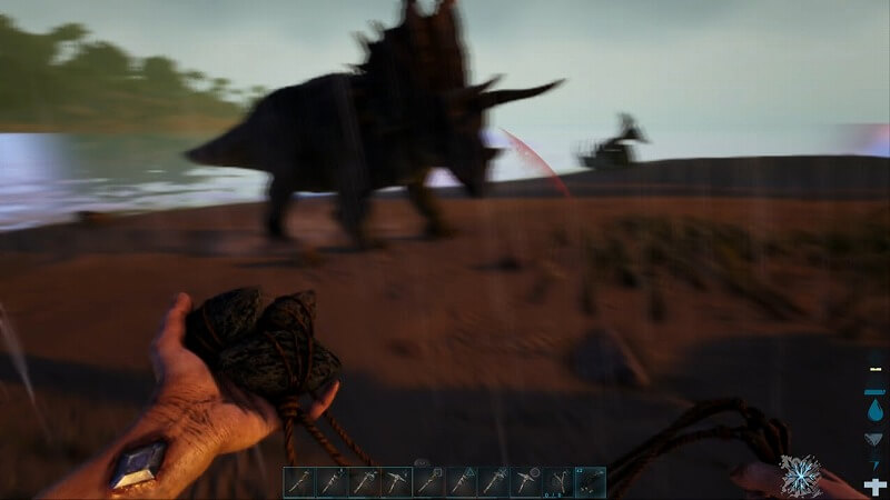 トリケラトプスに攻撃される
